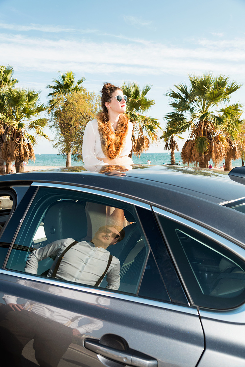photo, photos, photography, photographer, photographers, car, cars, man, men, woman, women, palm, tree, trees, ocean, beach, reflection, sunglasses, lei