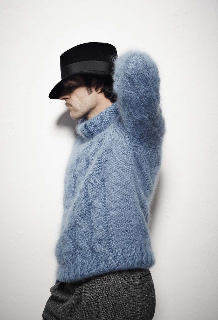 man head hat wool blue knitted pullover
