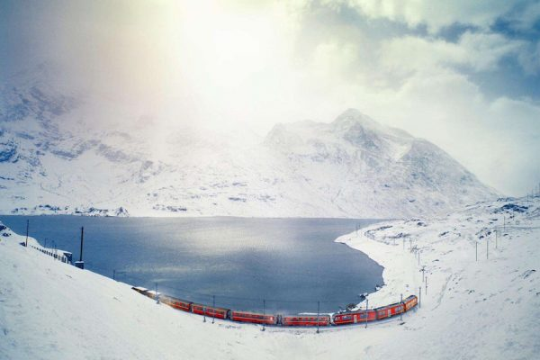 "photo photos photography photographer photographers lake mountain snow cold ice sun sunny sunflare ""sun flare"" cloud clouds red train sea"