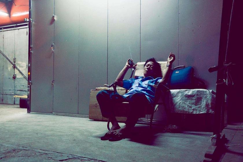 photo photos photography photographer photographers man asia asian sit sitting radio