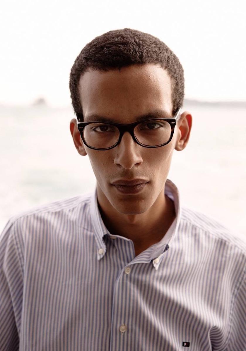 photo photos photography photographer photographers young man glasses stripes face head gaze
