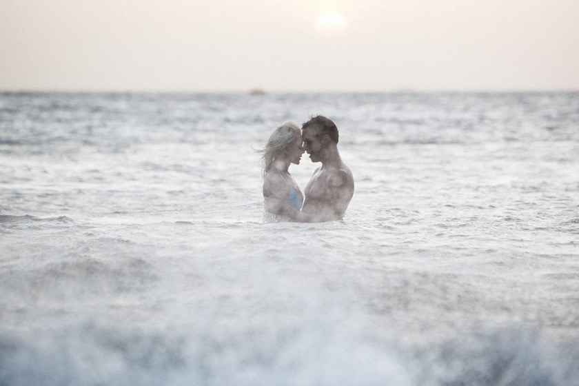 photo photos photography photographer photographers woman young man beach water swim swimming wet hug touch love kiss wave waves blurry