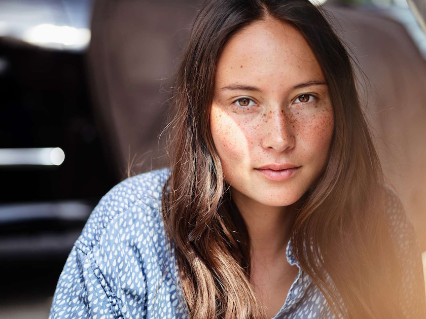 photo photos photography photographer photographers woman young face head smile expression blurry freckles freckled sun shadow light