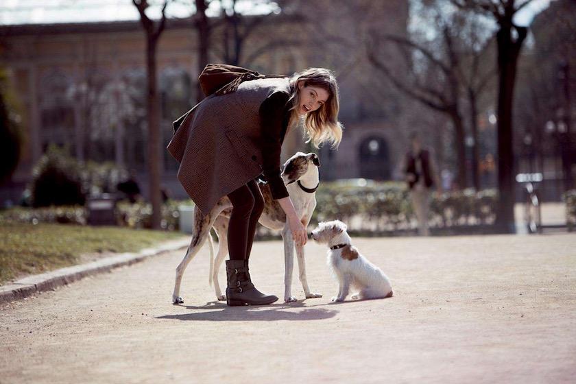 photo photos photography photographer photographers young woman pet pets dog dogs park sun sunny walk walking bend bending