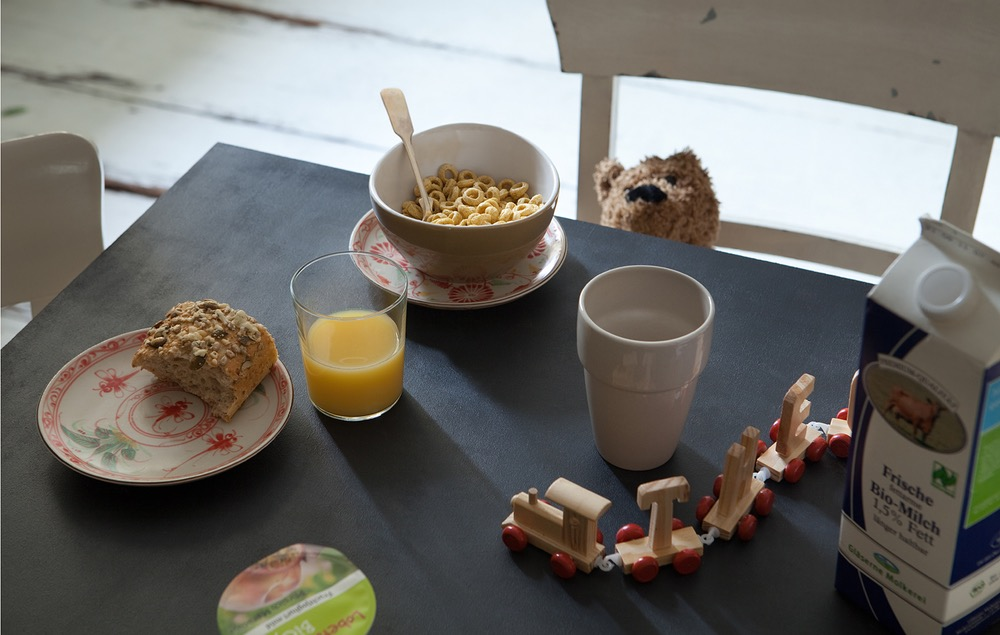 photo photos photography photographer photographers picture pictures image images table theo breakfast food bread milk juice teddy plates cereals