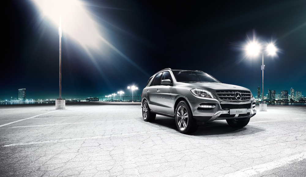 photographer photography photo dark night suv mercedes car silver spotlight parking cityscape