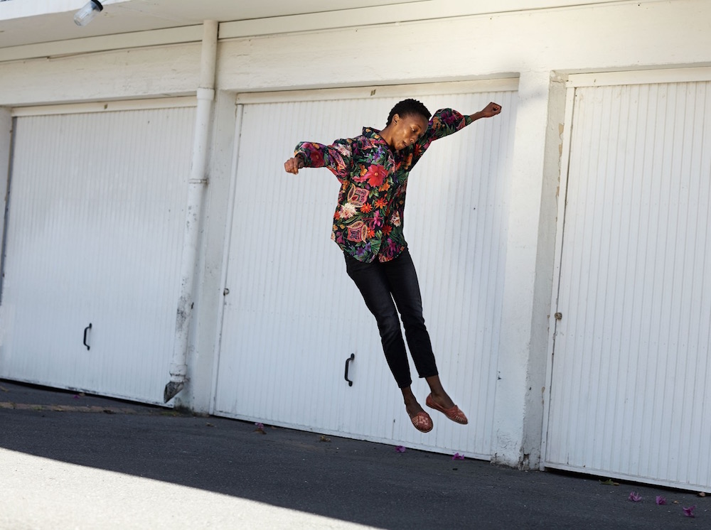 photography photographers photographer photos photo lifestyle people woman flower flowers jump jumping garage