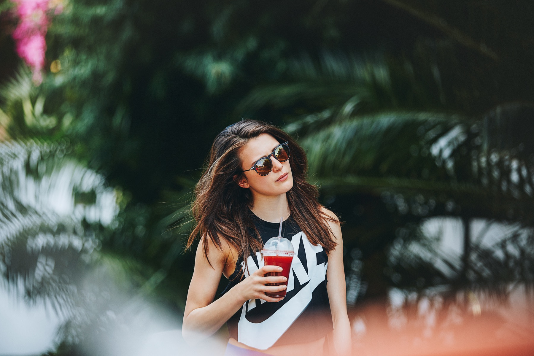 ­photo, photos, photography, photographer, photographers, woman, women, blur, blurred background, tree, trees, palm tree, palm trees, drink, sunglasses, nike, candid­photo, photos, photography, photographer, photographers, woman, women, blur, blurred background, tree, trees, palm tree, palm trees, drink, sunglasses, nike, candid