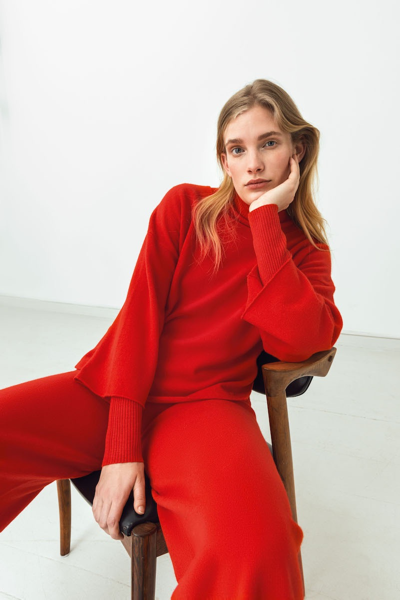 photo, photos, photography, photographer, photographers, woman, women, pose, posing, sit, sitting, blonde, red, leisure, sweater, sweaters, mid-century, chair, chairs, white background, white walls, editorialphoto, photos, photography, photographer, photographers, woman, women, pose, posing, sit, sitting, blonde, red, leisure, sweater, sweaters, mid-century, chair, chairs, white background, white walls, editorial