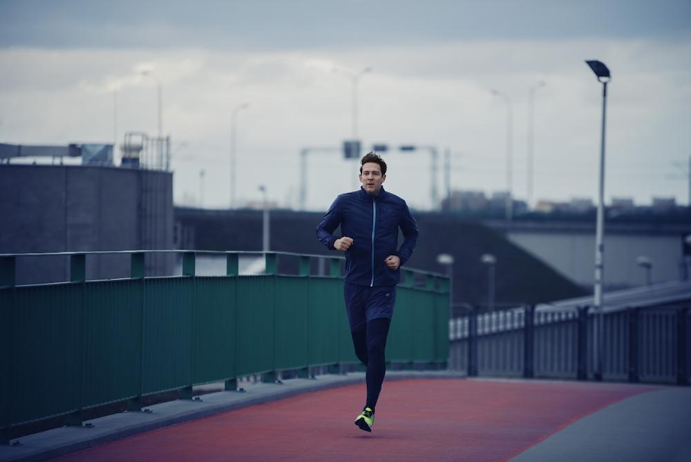 photo, photos, photography, photographer, photographers, man, men, run, running, track, cloudy, cloud, dawn, morning