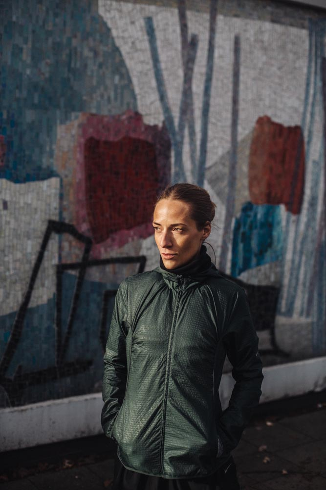 Lifestyle Portrait sun outdoor jacket mosaic