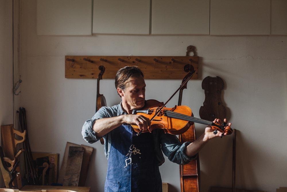 Lifestyle Portrait violin luthier