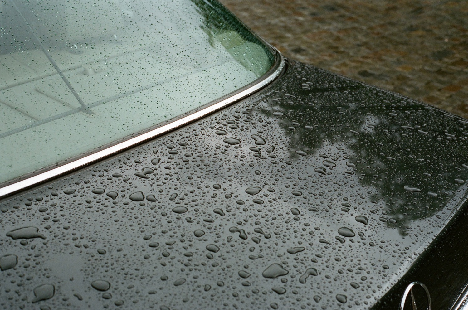 photo, photos, photography, photographer, photographers, car, cars, rain, raindrops, cloudy, cloud, dark, gloom