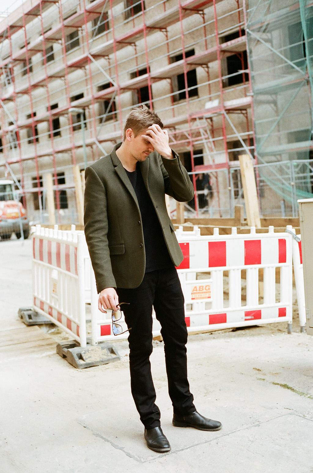 photo, photos, photography, photographer, photographers, man, men, suit, suits, building, construction