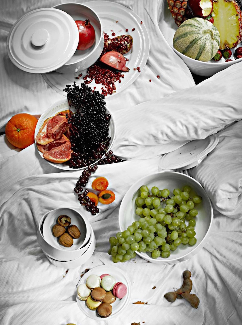 stills crockery dinnerware porcelain chinaware white bed fruits fruits