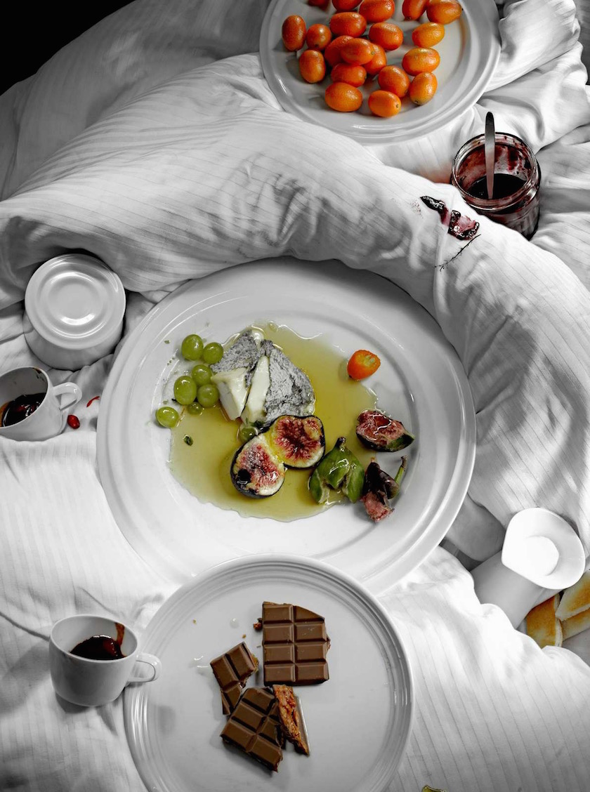 stills crockery dinnerware porcelain chinaware white breakfast bed chocolate fruits cheese jam