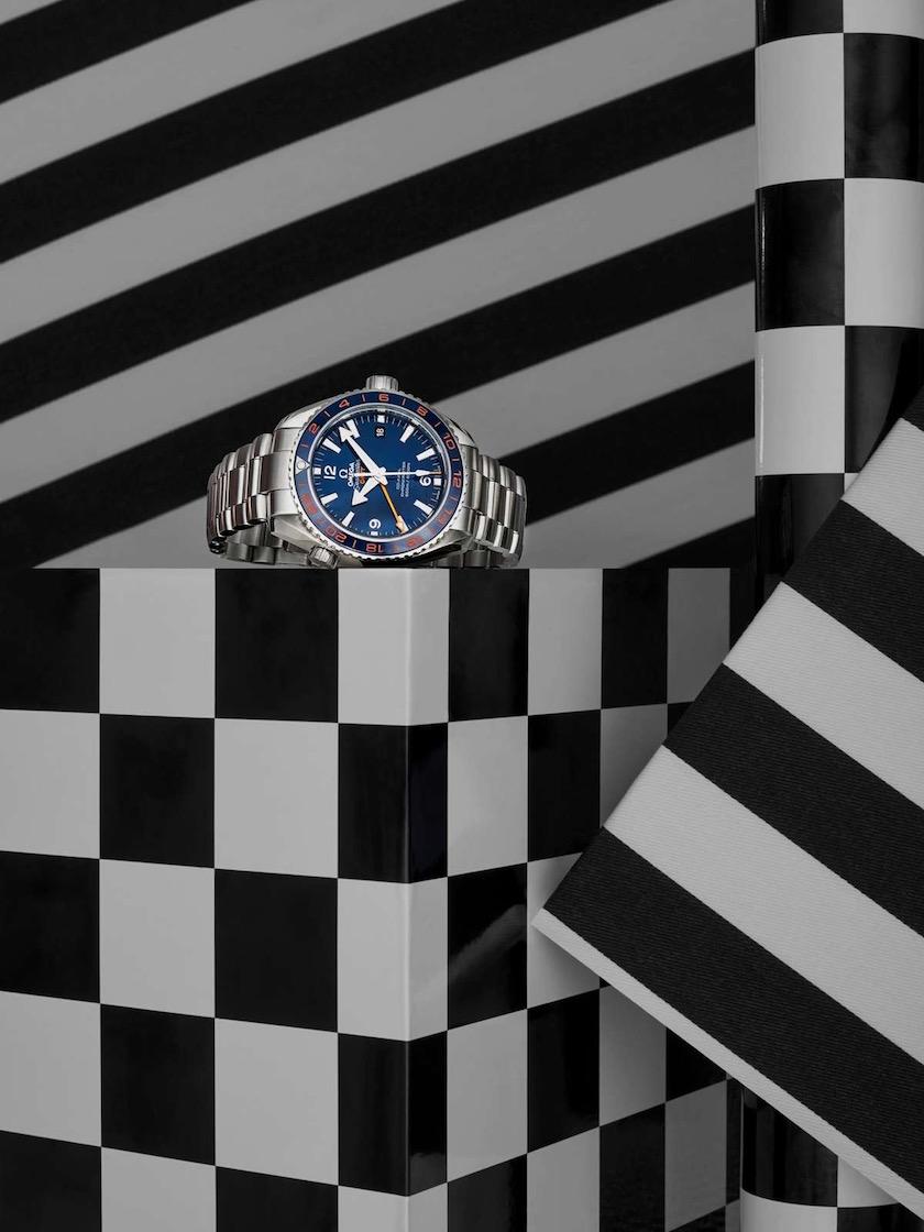 watch stripes back white