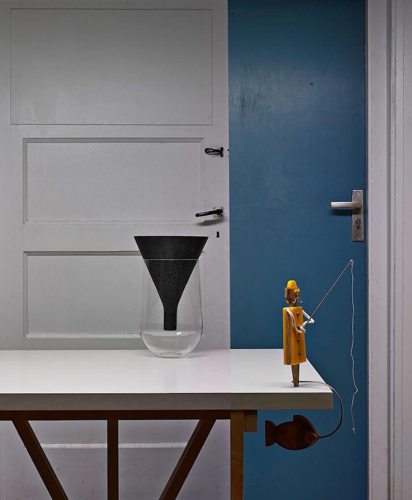 table vase blue white figurine