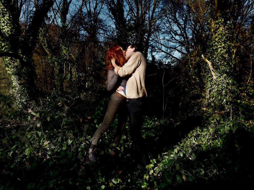 photograph photographer photo photographers photography man women couple lover lovers kiss touch forest tree trees woods green leaves ginger