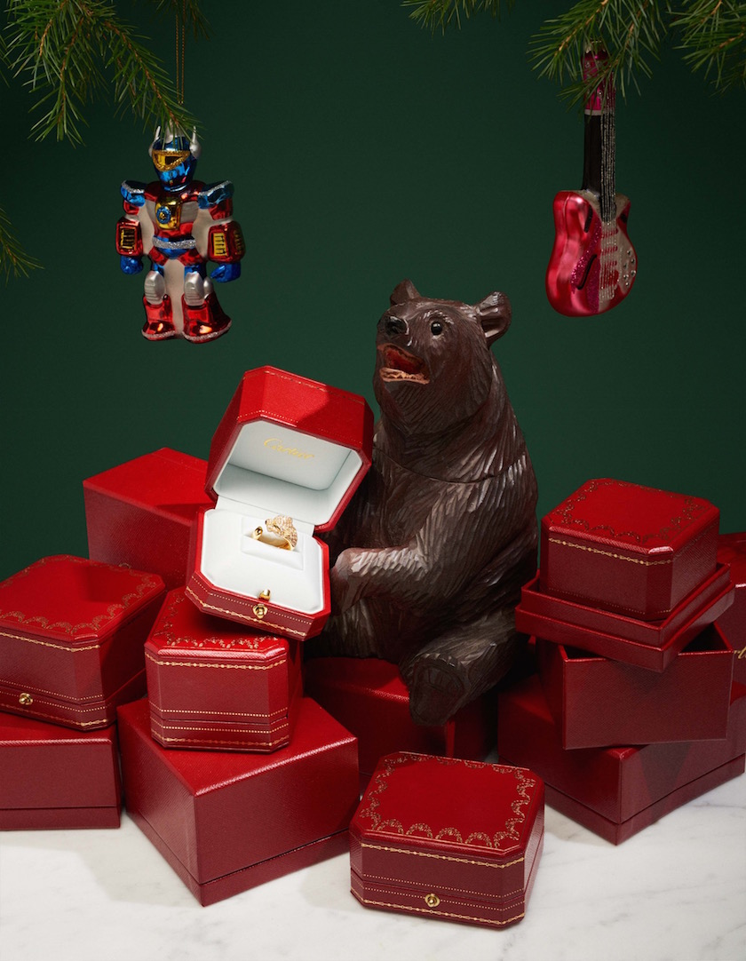 stills accessories bear christmas robot guitar boxes