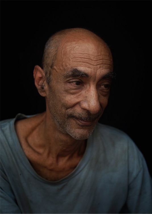 photo, photos, photography, photographer, photographers, man, wrinkle, wrinkles, dark, off camera, gaze
