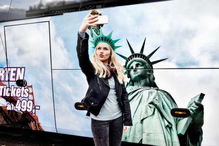photo photos photography photographer photographers girl young selfie blond bus