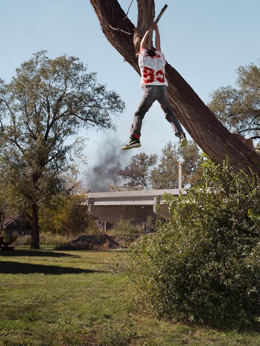 photo photos photographer photographers photography boy tree hang hanging smoke trees bridge