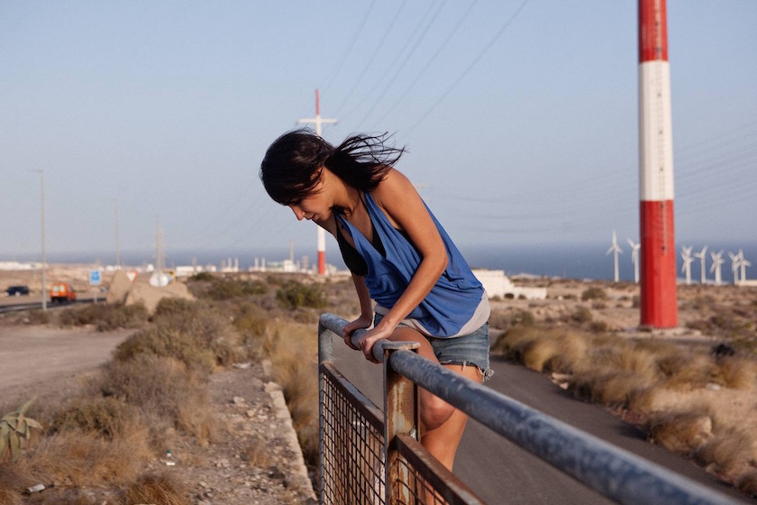 photo photos photography photographer photographers young woman climb climbing blue wind