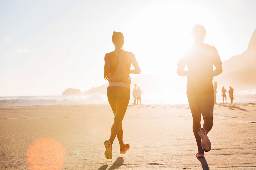 photo photos photography photographer photographers sun sunny shadow sport sports jogging beach backside