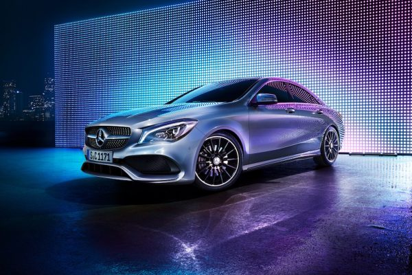 photographer photography photo car silver mercedes LED screen