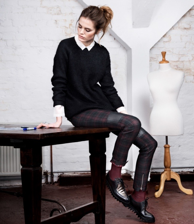 ­photo, photos, photography, photographer, photographers, woman, women, white background, white wall, white walls, mannequin, brick, brick wall, texture, plaid, trousers, leather, shoes, brogues, ponytail, brunette, table, tables, sit, sitting, studio, indirect, fluorescent lighting, fluorescent, editorial, work, working, job, career