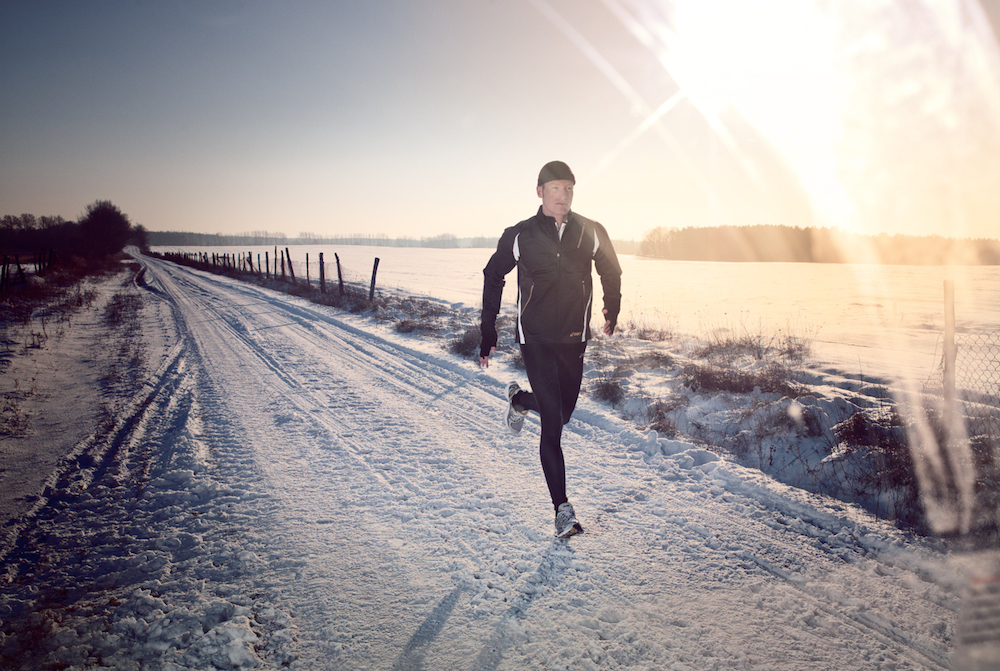 photo, photos, photography, photographer, photographers, man, men, sun, sunflare, sun flare, flare, snow, run, running, runner