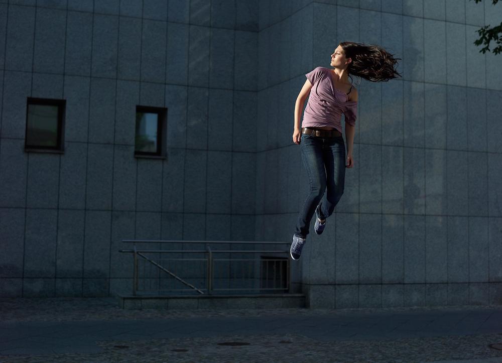 photo, photos, photography, photographer, photographers, woman, women, brunette, jump, building, urban, fantasy