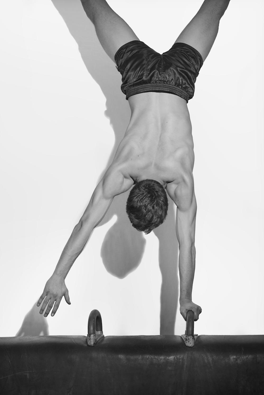 photo, photos, photography, photographer, photographers, gym, gymnast, man, men, muscle, muscles, black and white, blackandwhite, b&w, bw, shadow, flash