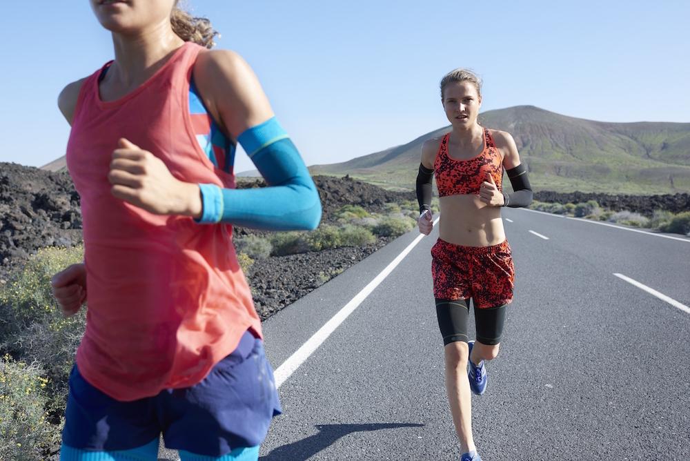 photo, photos, photography, photographer, photographers, run, runner, running, action, active, women, woman, mountain, mountains, road, roads, sunny, sunlight, health