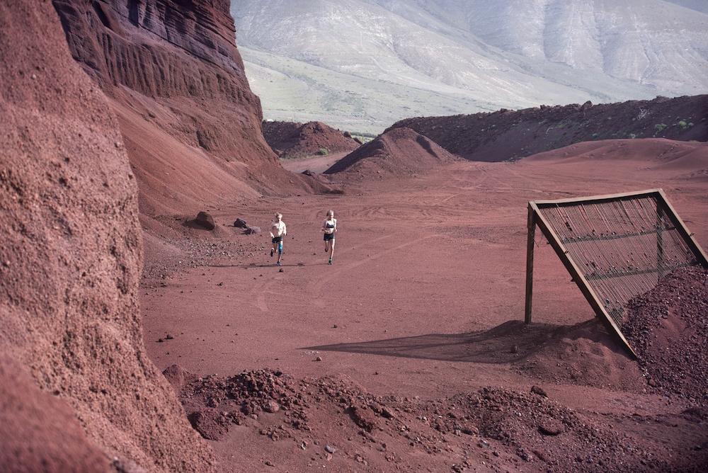 photo, photos, photography, photographer, photographers, run, runner, running, action, active, women, woman, mountain, mountains, rock, rocks