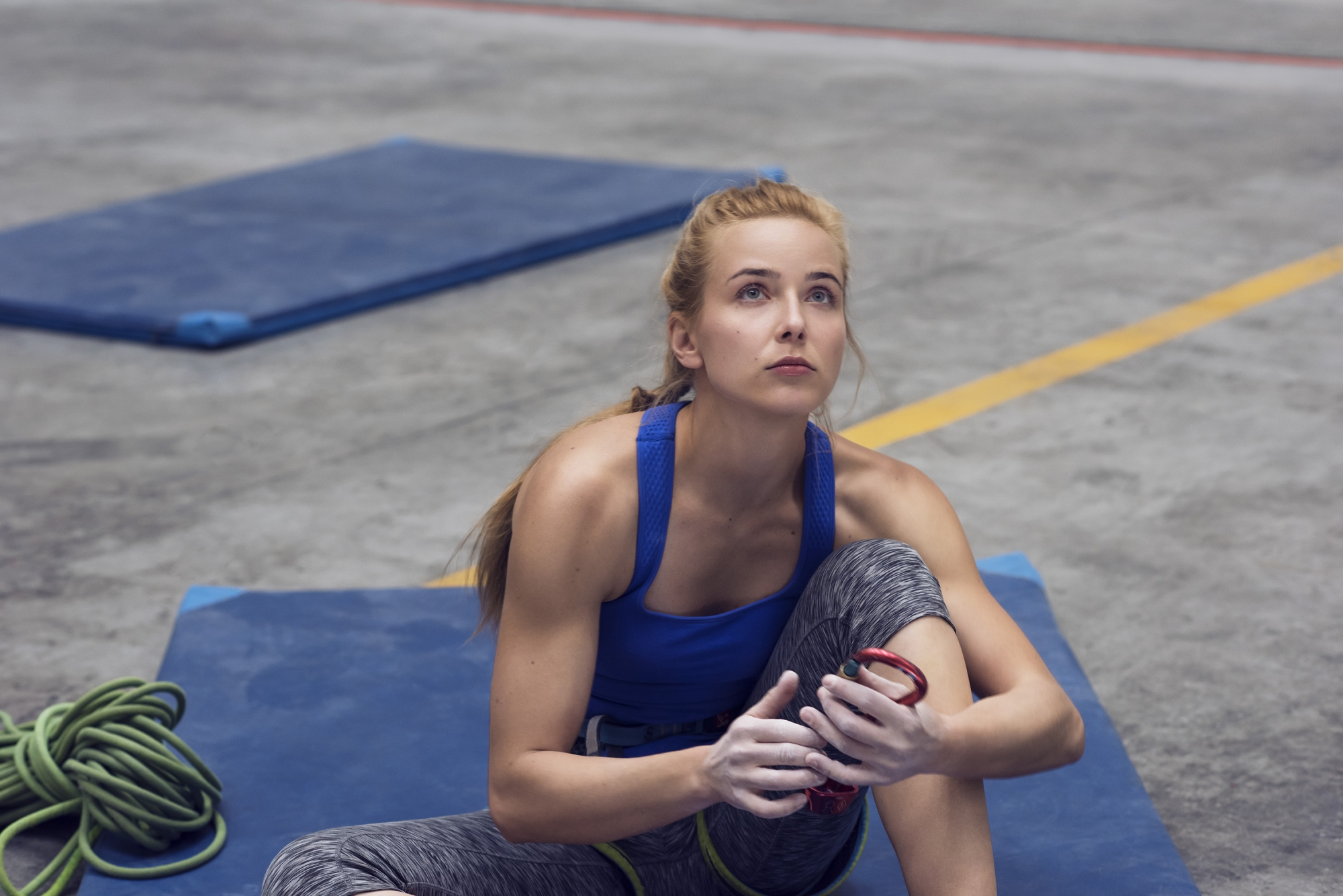 photo, photos, photography, photographer, photographers, woman, women, blonde, rope, mat, mats, ropes, muscle, muscles, fit, fitness, gym